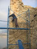 Foto de El pasado mes de agosto de 2006 comenzaron los trabajos de restauración del Castillo de Píñar.